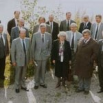 Komission kokouksen osanottajia v. 1991.